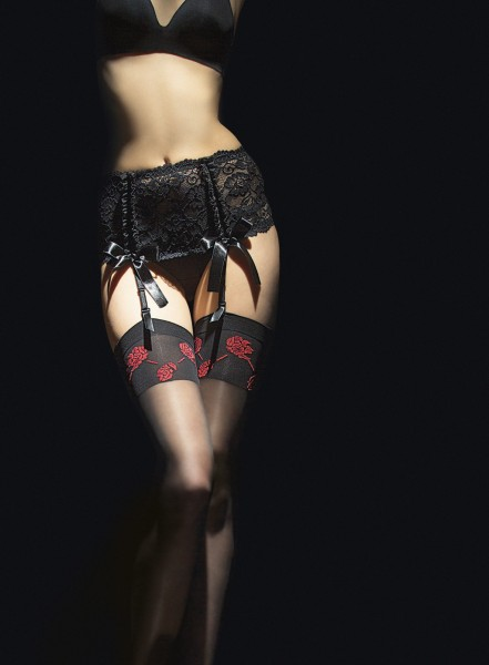 Fiore - 20 denier stockings with red flower pattern and flat top